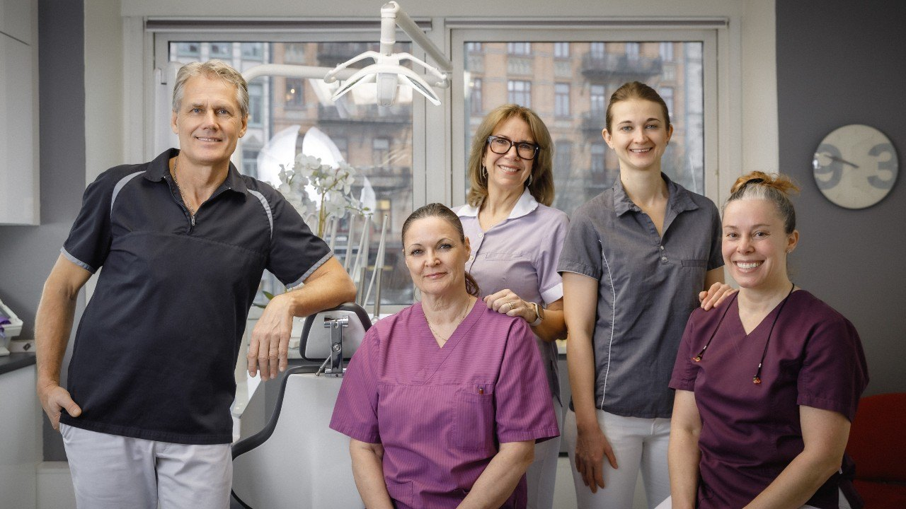 Gruppfoto Estetisk Tandvård i Göteborg